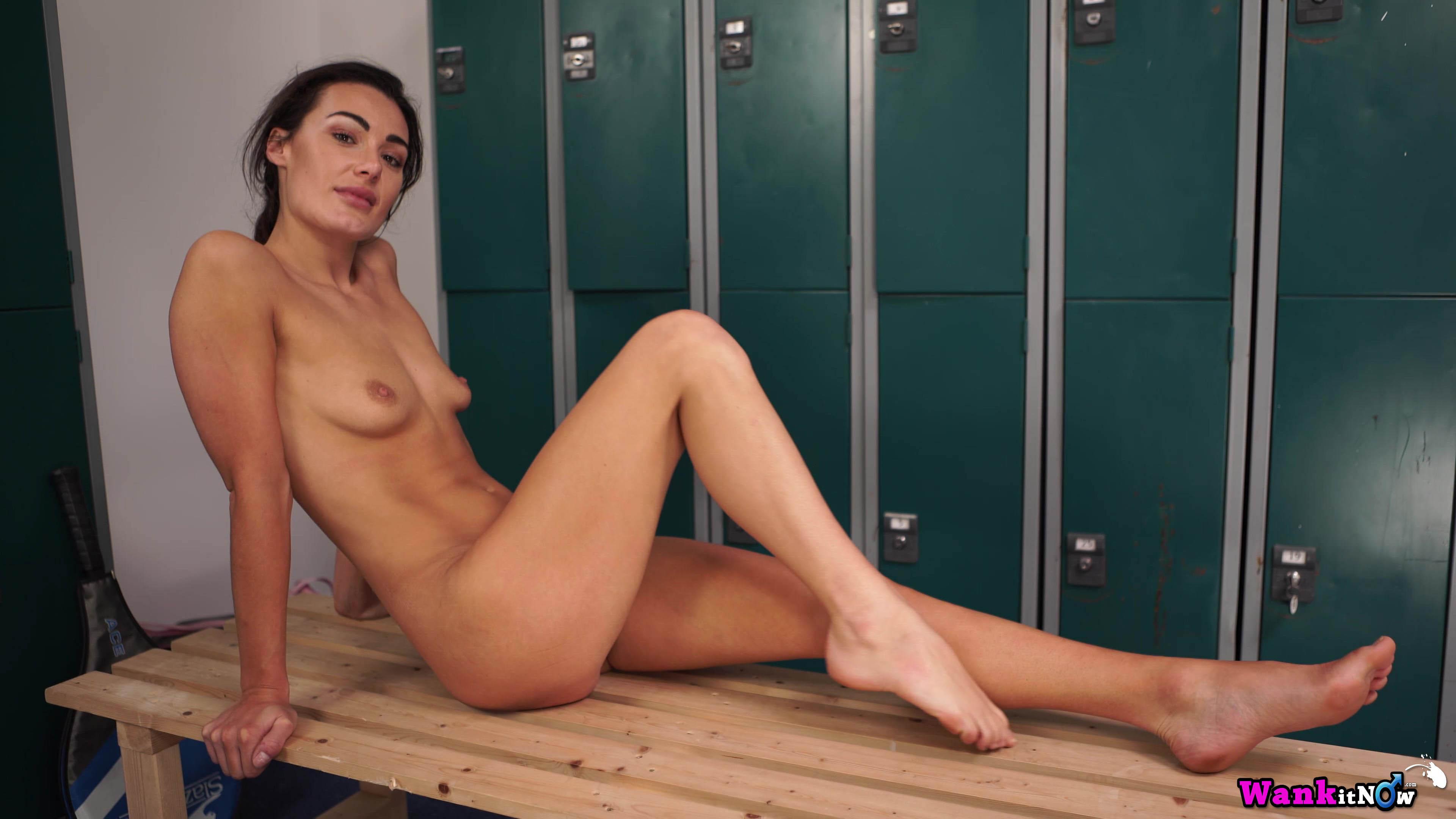 Maxine nude